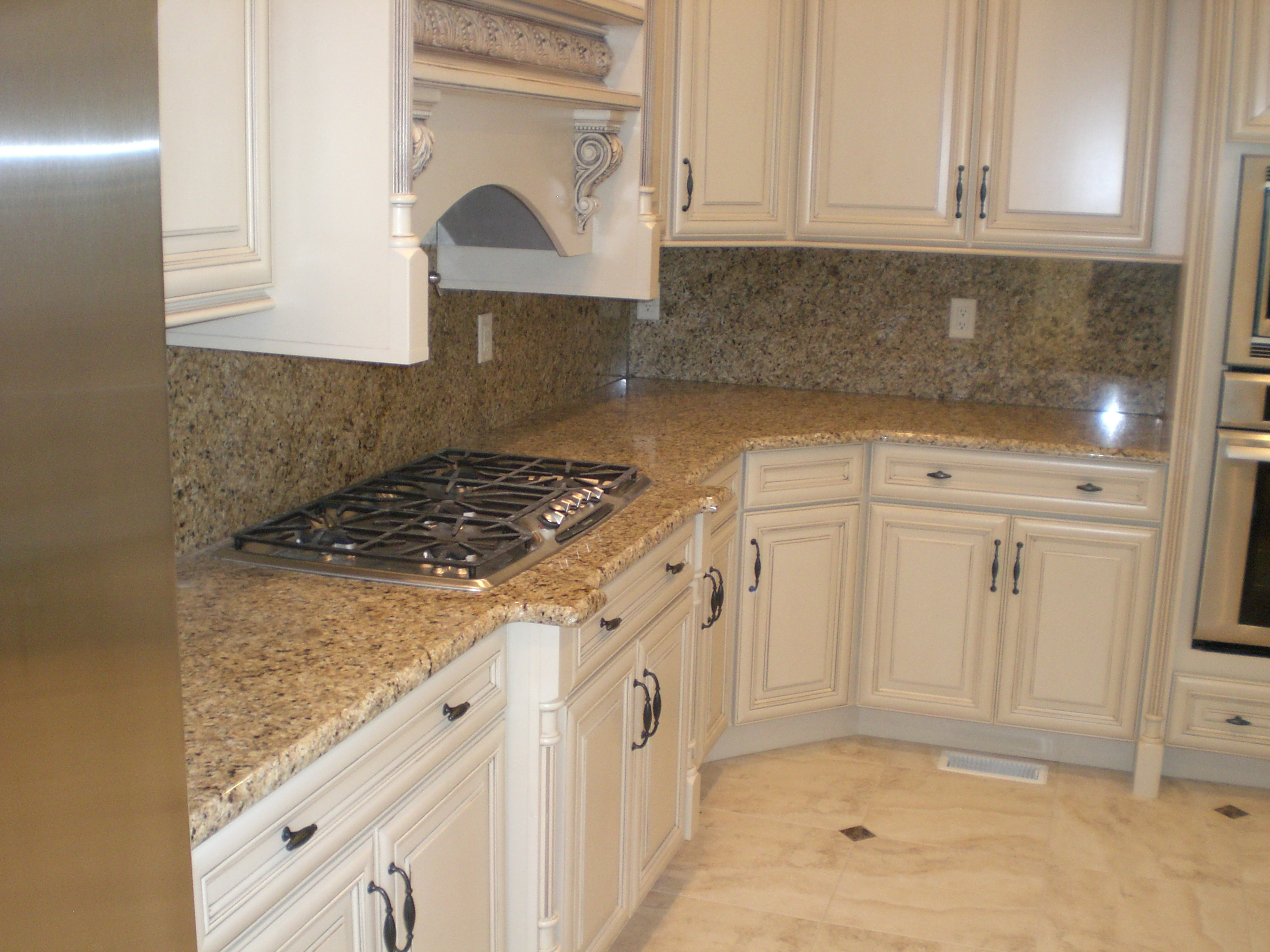 New venetian gold granite with white cabinets kitchen pinterest venetian gold granite - Granite kitchen design ...